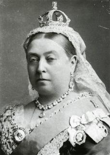 queen-victoria-painting